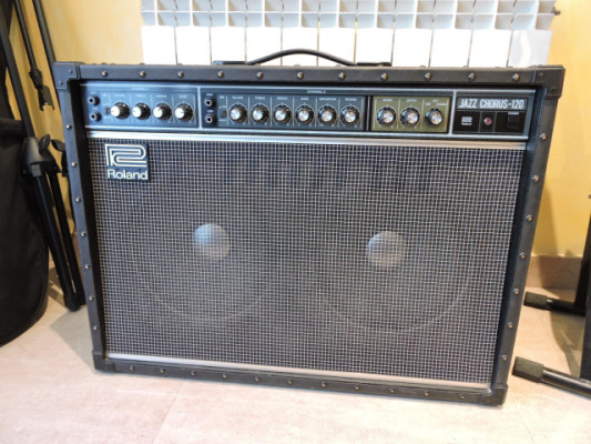 Vendo un amplificador de guitarra Roland Jazz Chorus 120