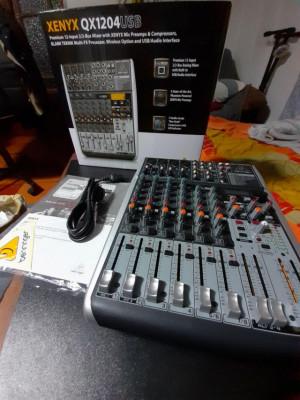 Behringer Xenyx qx 1204 usb mesa de mezclas mixer