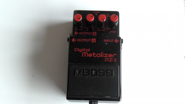 Boss MZ-2 Digital Metalizer Japón