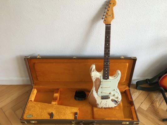 //CAMBIO Fender American Vintage '62 Stratocaster Relic