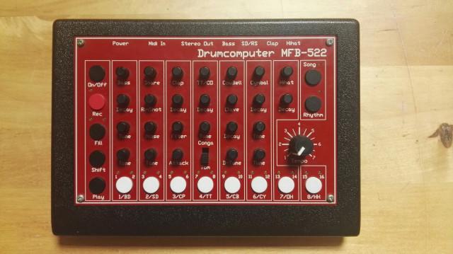 Caja de Ritmos Mfb 522
