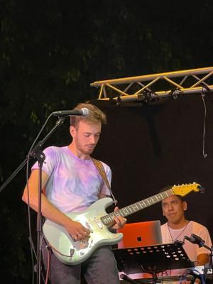 Guitarrista versátil solista/ritmica