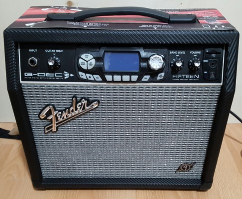Fender G Dec 3  de 15 watios portes incluidos