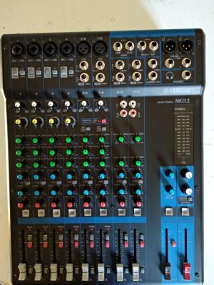 Mixer Yamaha MG 12