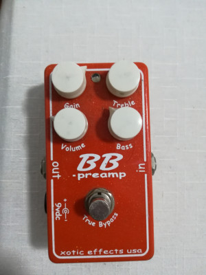 Cambio varios pedales por ampli de bajo o de guitarra