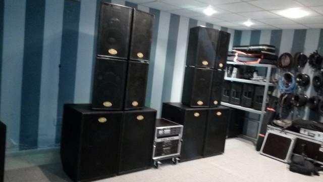 Equipo de sonido 8000 w negociable