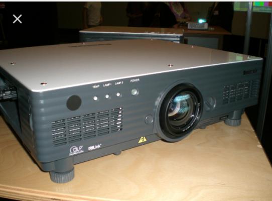 Proyector panasonic pt-d5600e. 5000 lumenes
