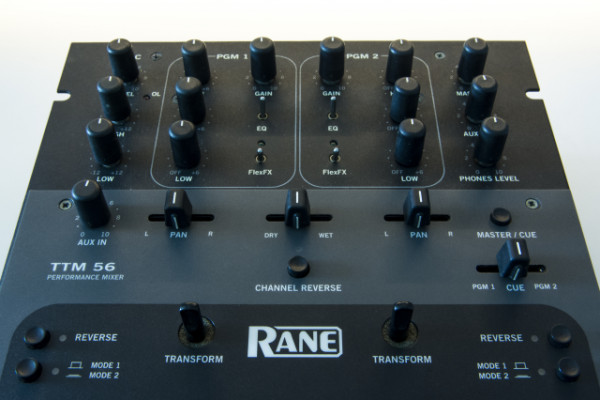 Mesa de mezclas Rane 56