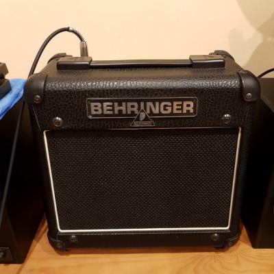Amplificador Behringer 15w