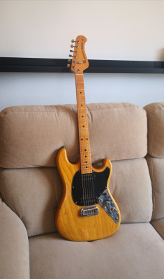 MUSICMAN SABRE II Guitarra.