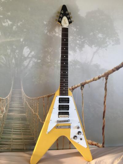 Gibson Flying V Tv yellow