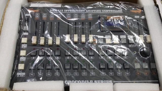 Consola DMX de 408 Canales, nueva
