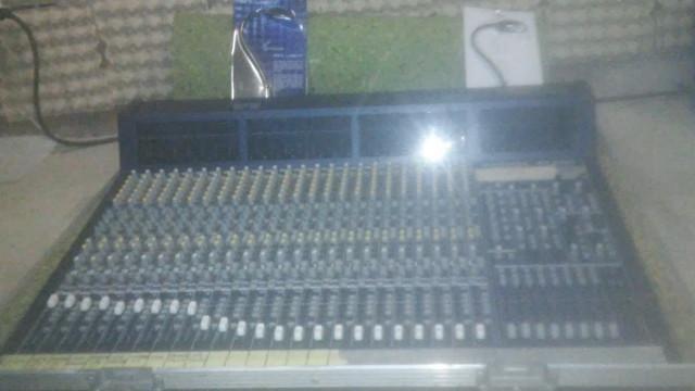 Behringer Eurodesck MX9000