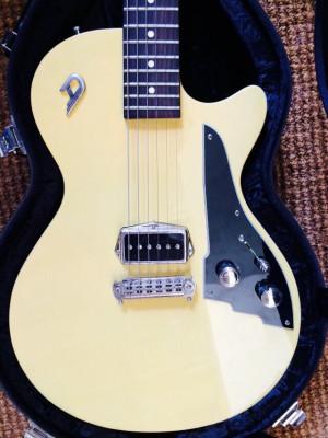 Guitarra eléctrica Duesenberg Dragster