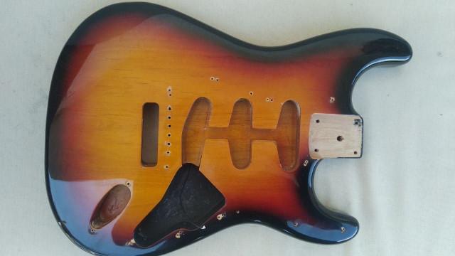 Cuerpo Stratocaster Aliso de marca Hermann's
