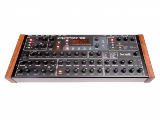 material musical por un sintetizador PROPHET en rack o teclado