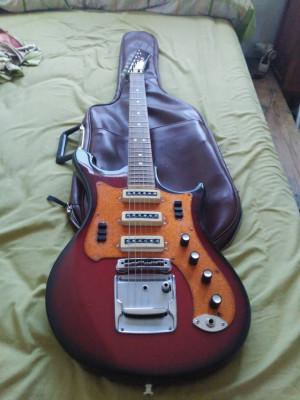 Ural - Guitarra soviética '70s