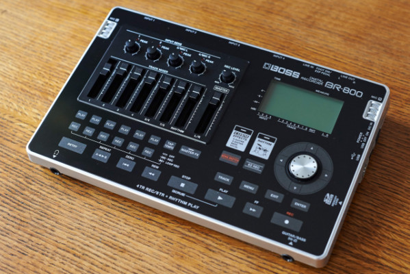 BOSS BR800 -Grabador Multipista Digital