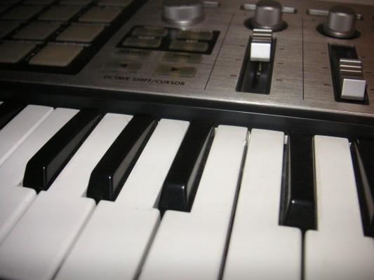 Micro Kontrol   Controlador-interface MIDI-USB