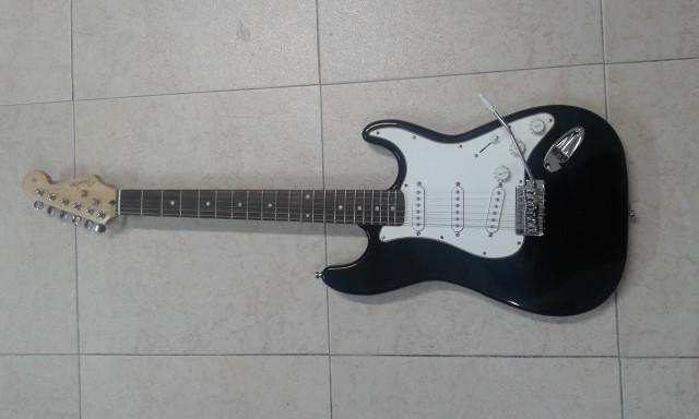 Stratocaster montada a piezas