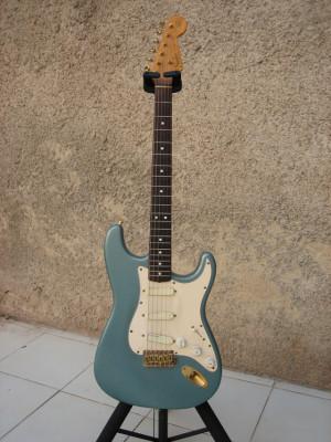 Strato Custom Shop, Martin D28, Yamaha SA2200