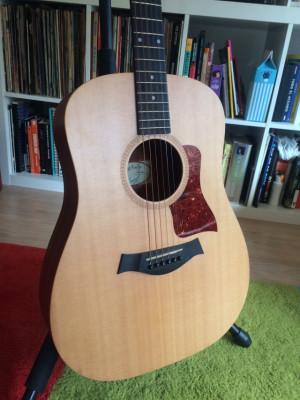 Guitarra acústica Taylor Big Baby