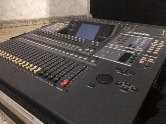 Mesa digital Yamaha 02r V2 + flightcase