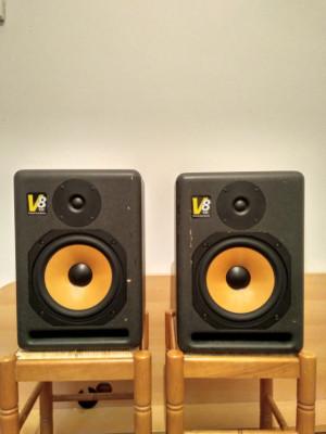 KRK V8 series 1