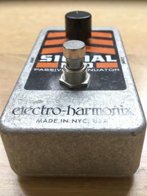 Varios Pedales: Delay-Tremolo-Afinador (Boss -Electro Harmonix- Voodoo  Lab
