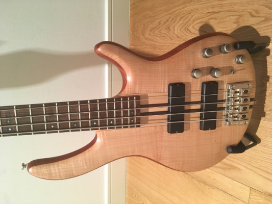 Bajo Cort Artisan A4 Plus Fmmh Natural
