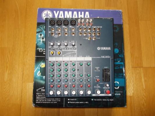 Mesa de mezclas analógica de 10 canales YAMAHA MG102c