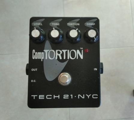 Tech 21 NYC CompTortion (Compresor y distorsión)