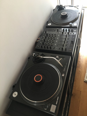 Platos Technics + Mixer Pionner DJM700