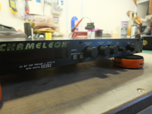 Rocktron Chameleon Vintage 24 bit DSP & effects with digital HUSH
