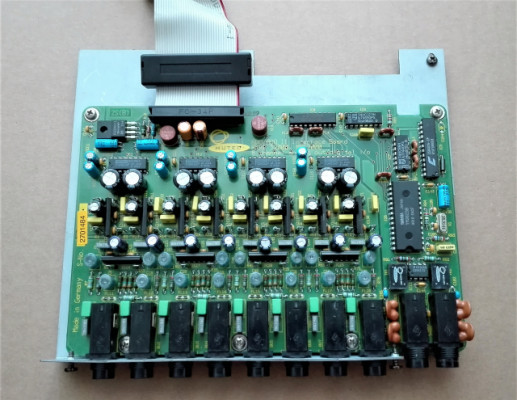 8 SALIDAS AKAI MPC 2000 / 2000XL IB208P
