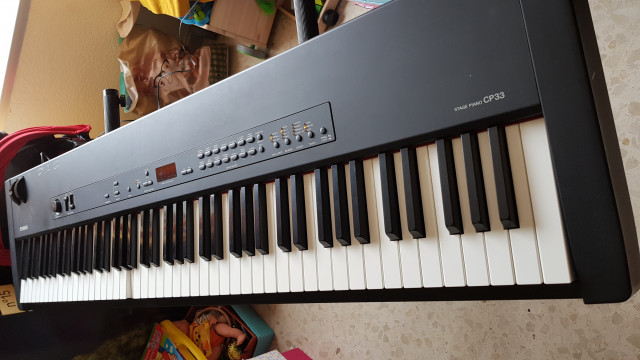Yamaha CP33 StagePiano