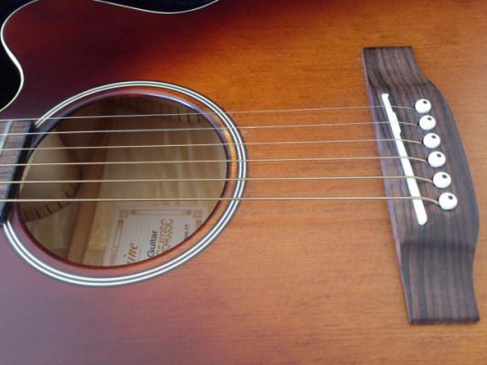 Guitarra electro-acústica Takamine de 6 cuerdas (edición limitada)
