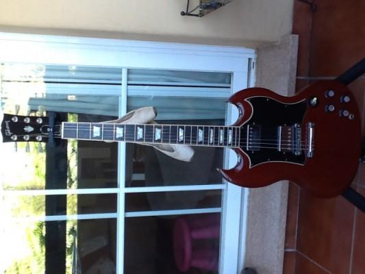 Gibson SG 2003/ Fender Stratocaster CIJ Sunburst 62