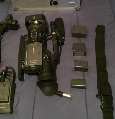 Panasonic AG-DVX100 Professional Camcorder
