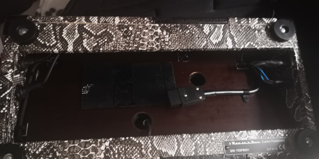 Espectacular Pedalera Custom ROX in a BOX artesanal. Con funda y cables!