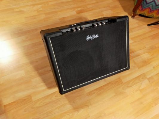 Altavoz amplificado FRFR Harley Benton G212A