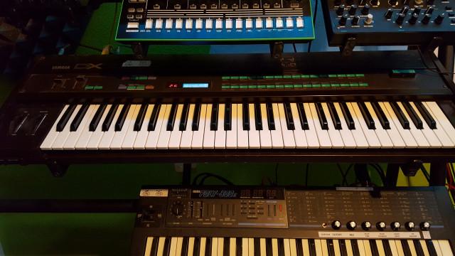 Yamaha DX7,flightcase artesanal+ 2 voice ROM