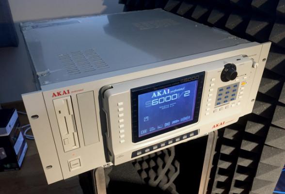 Akai S6000 + multiFX board + USB board + PS2 minikeyboard + extra remote cable