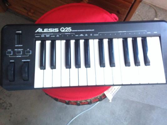 Teclado controlador Alesis Q25