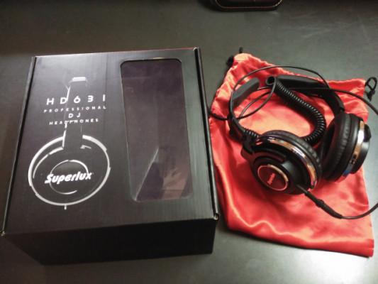 Auriculares DJ Superlux HD 631