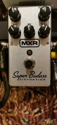 MXR Super Badass por Boss BD-2