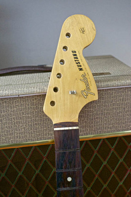 Mástil de guitarra Fender Mustang del año 1965 EDITADO