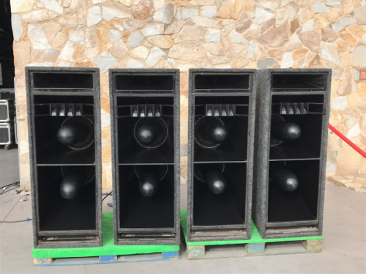 Cajas Meyer Sound MLS 3