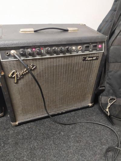 Amplificador a válvulas Fender Super 60