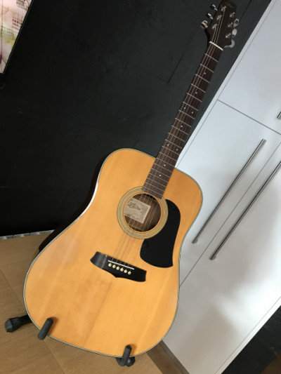 Vintage Aria LW10 dreadnought-size body made in japan 70s/80s